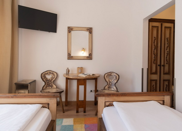 14 camere duble twin